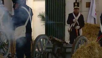 Reconstituição da partida da família real para o Brasil