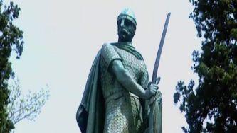 Guimarães de espada em punho