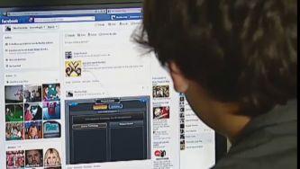 "Navegar no Facebook sem ""cair"" na rede"