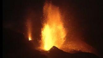 """Vulcões """"constroem"""" nova ilha em Cabo Verde"""