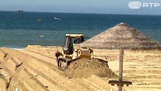 A reposição de areias na Costa da Caparica