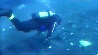 Um navio dos descobrimentos na Baía de Angra