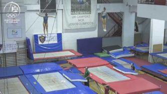 Como é a competição de trampolins