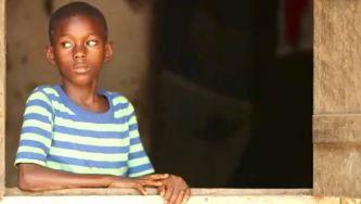 Emmanuel, um orfão na Serra Leoa