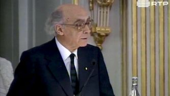 José Saramago: levantado do chão, elevado ao Nobel