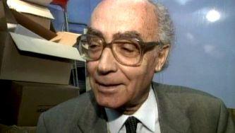 """José Saramago e a """"súbita serenidade""""de ser Nobel"""